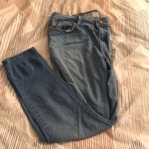 Free people size 27 light blue jeans
